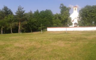 Okolí kaple sv. Václava a v Suchdolském sadu