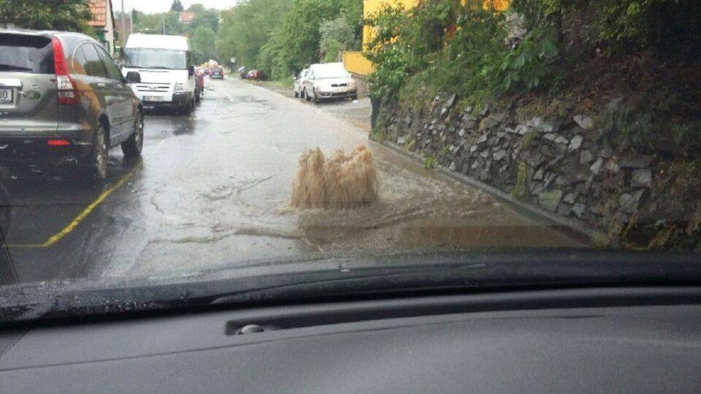 Dešťová voda nepatří do kanalizace!